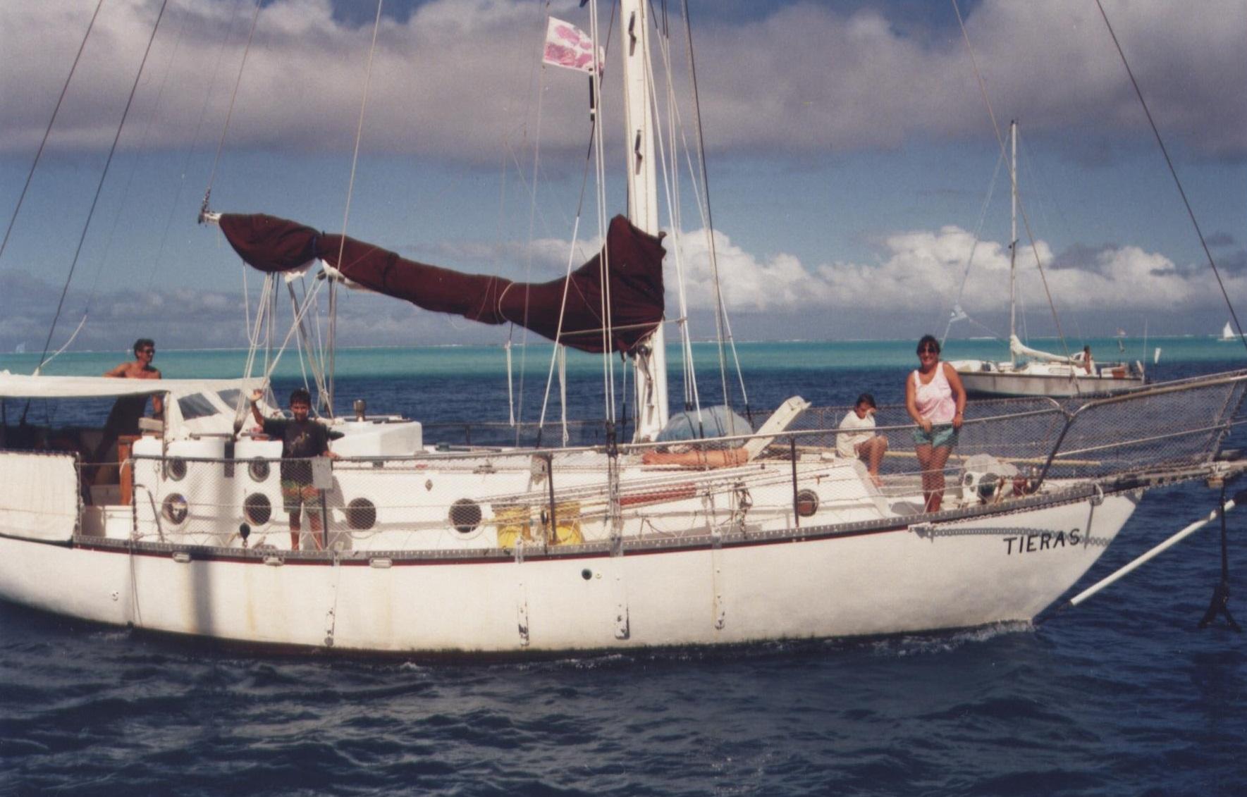 Tieras in Bora Bora cropped