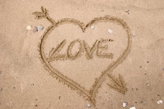 heart in sand by jennaki_evie