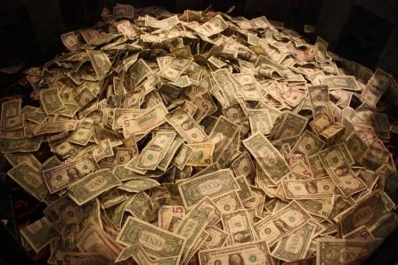 A lot of dollars by Reynermedia