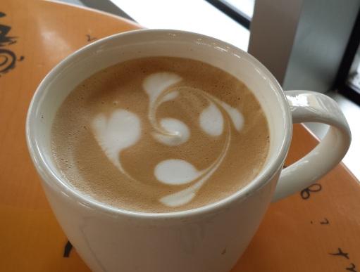 Latte_art_in_a_Starbucks_Coffe_Shop