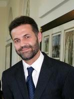 Khaled_Hosseini_in_2007
